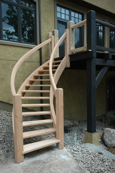 <b>Mont-Tremblant, Quebec</b><br>Curved heavy timber staircase