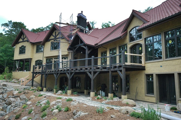 <b>Mont-Tremblant, Quebec</b><br>Timber frame country home