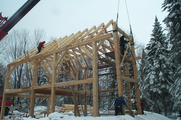 <b>Mont-Tremblant, Quebec</b><br>Timber frame home in white pine
