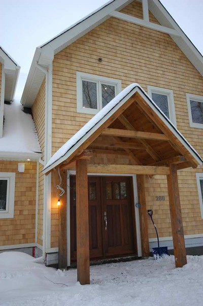 <b>Mont-Tremblant, Quebec</b><br>Timber frame home with shingle siding