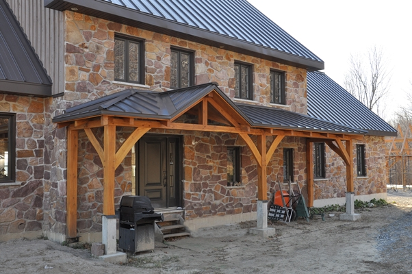 <b>Sainte-Marthe, Quebec</b><br>Timber framed home with stone exterior